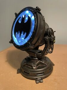 Mezco One:12 Bat Signal from Commissioner Gordon Set.  Bat Signal Only