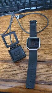 fitbit blaze smart fitness watch large pre-owned leather, charger