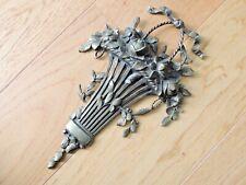 Bel élément décoratif PANIER DE FLEURS & noeud - ferrures mobilier applique