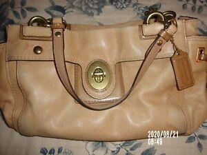 Coach Leather Cream/beige purse # A1073 - 14522