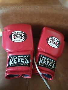 ** Cleto Reyes Boxing Gloves Traditional Lace Up Training Gloves Red 16oz