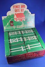 Plasticville - O-O27 - #HF-2 House Fence DEALER BOX - COMPLETE - Excellent