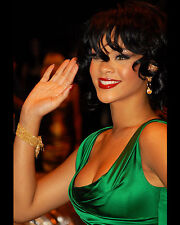 RIHANNA 8X10 PHOTO PICTURE PIC HOT SEXY CANDID 5
