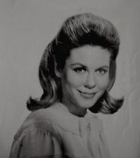 Elizabeth Montgomery 1966 Vintage Press Photo Bewitched Halloween Date Stamp