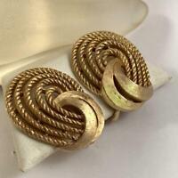 Vintage Crown Trifari 1950's Gold Tone Clip on Earrings 2jy7a