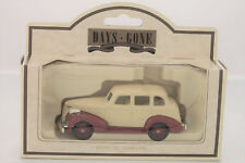 Lledo Days Gone 1939 Chevrolet Cream and Maroon Chevy Car Made in England 48002