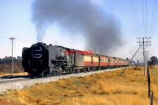 PHOTO  SOUTH AFRICAN RAILWAYS - A CLASS 15F 4-8-2 HEADS A NORTHBOUND PASSENGER T