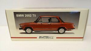 AUTOART 1/18 BMW 2002 TII RED