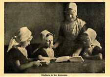 Holländische Mädchen in Tracht Bibelstunde bei der Großmutter von 1911