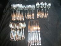 Rogers Bros IS International Exquisite Reinforced Silver Plate Floral 60 Pieces