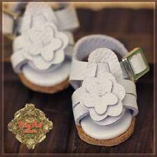 Lati Yellow, Yu Ping size White Leather Sandals w/Daisy Cutouts Ruby Red 2.4cm