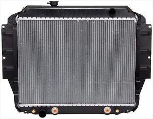 For Ford E-150 E-350 Econoline Club Wagon Econoline Super Duty Radiator APDI