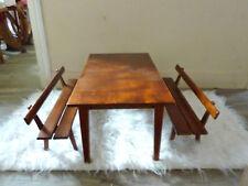 meubles de poupées en bois, une table et ses 2 bancs, vintage années 60