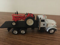 Allis Chalmers D-19 Tractor on Peterbilt Flatbed 10 Wheeler 1/64 scale by Ertl