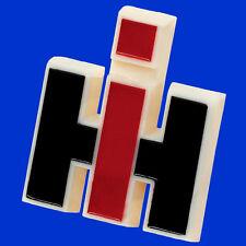 Markenzeichen Abzeichen Emblem Kühlerfigur Markenschild MC Cormick IHC, Case