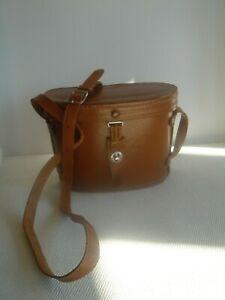 Binoculars  case     Leather