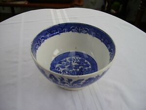 SOCIETE CERAMIQUE MAESTRICHT BLUE WILLOW FOOTED FRUIT BERRY BOWL HOLLAND