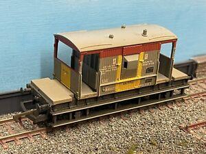 Hornby Oo Gauge Railfreight Livery Brake Van Wagon Weathered