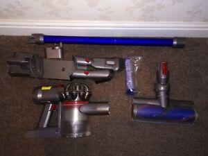 Dyson V7 Cordless Handheld Vacuum, Brand new 4600Mah Battery,  Motorised Head