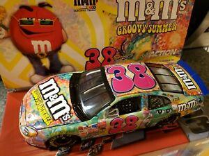 Elliott Sadler #38 M&M's One Groovy Summer 2003 Ford Taurus 1:24