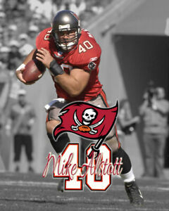 """Tampa Bay Buccaneers MIKE ALSTOTT Unsigned Spotlight Photo 8x10  """"The A-Train"""""""