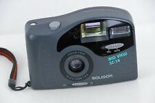 Kleinbildkamera mit extra großem Sucher. Fabrikat Soligor Focus Free, 35 mm lens