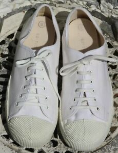 Vintage Made in England Old School Retro White Canvas Plimsolls Shoes PT - UK 8