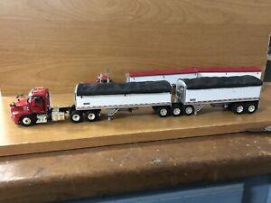 Firstgear DCP 1/64 Mac Anthem With A Set Of B Train Custom Built Grain Hoppers