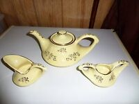 4 PIECE PEARL CHINA CO HAND DECORATED FLORAL 22 KT GOLD TEAPOT SUGAR CREAMER LID