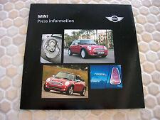 MINI COOPER S OFFICIAL LA AUTOSHOW CD ROM PRESS KIT BROCHURE 2005 USA EDITION