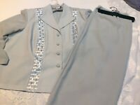 Danny Nicole Women  2 Piece Suit Size 22w  Skirt Lined Jacket Unlined