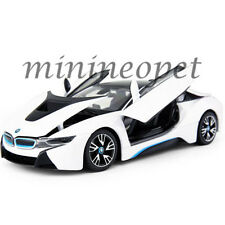 RASTAR 56500 BMW i8 1/24 DIECAST MODEL CAR WHITE