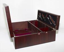 Cassetta per tre bottiglie in legno color mogano + 5 accessori