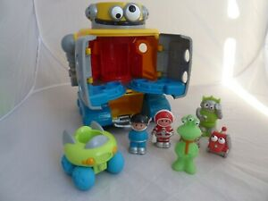 ELC Happyland Space Robot with astronauts, figures, moon buggy - lights + sounds
