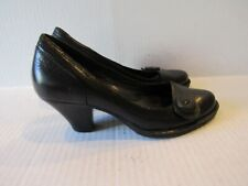 Born Women's Black Leather Chunky Heel shoes Button-look Accent Size 6.5M