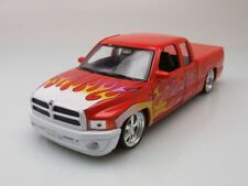 DODGE RAM QUAD CAB 1500 PICK-UP Lowrider 2002 NARANJA, Coche Modelo 1:24 / WELLY