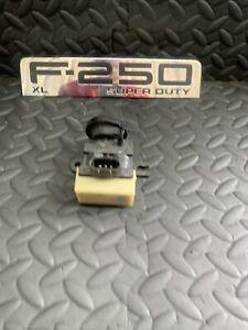 OEM 4WD Auto Hub Locking Solenoid 600-402  Fits: 1999 - 2010 Ford F250 F350 F450