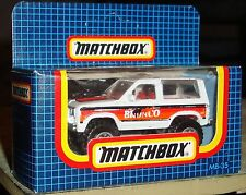 Matchbox MB DieCast Material Cars, Trucks & Vans