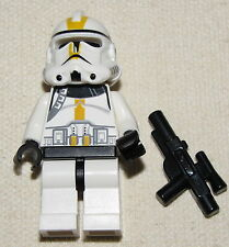 LEGO STAR WARS EPISODE 3 YELLOW MARKINGS CLONE TROOPER MINIFIGURE MINIFIG CORPS