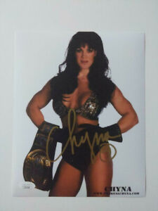 CHYNA Signed 8x10 Photo WWF WWE Wrester Diva Autograph Deceased 2016 JSA COA J
