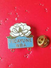 Pin's Pins fleur flower Picayune WBA