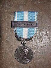 """Ancienne Médaille Coloniale agrafe """"AFRIQUE"""" Armée Française"""