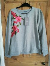 B young Top / Sweatshirt Size XL New With Tags