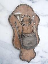 Porte montre métal argenté ciselé décor chasse vènerie d'époque 19ème