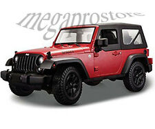 Maisto 2014 Jeep Wrangler Willys 1:18 Diecast Model Car Red