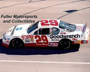 KEVIN HARVICK ROOKIE #29 2001 CHEVY NASCAR WINSTON CUP 8X10 PHOTO CHARLOTTE NC