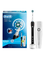 Oral-B Pro 2 2000 Electric Toothbrush with Travel Case - Black