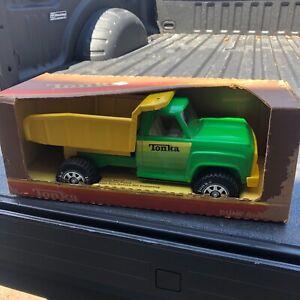 Vintage 1978 Tonka No. 2315 Pressed Steel Green yellow dump Truck Original Box