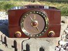 Outstanding Vintage Zenith Bakelite AM/FM Tube Radio-RESTORED