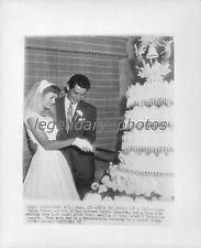 1955 Eddie Fisher and Debbie Reynolds Cut Cake at Wedding Original Wirephoto